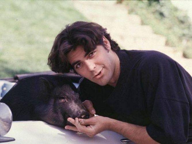 George Clooney con su mascota.