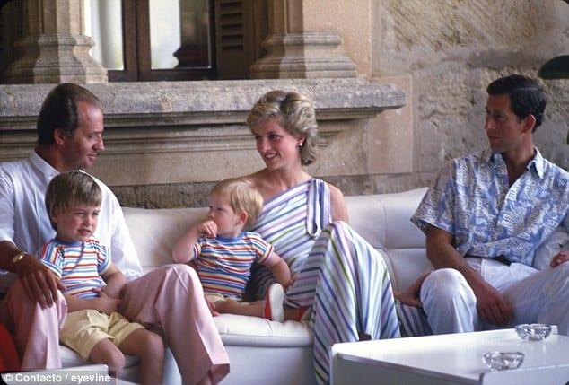Don Juan Carlos, anfitrión de los duques de Gales y sus hijos en Marivent