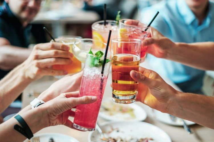 Los refrescos y los zumos están directamente relacionados con la obesidad infantil