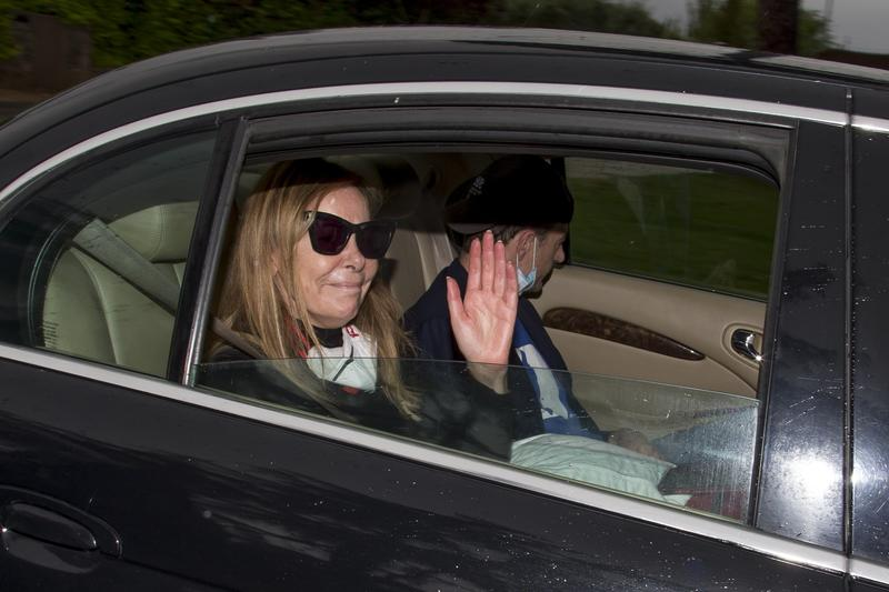 Ana Obregón y Alessandro Lequio llegan a Madrid tras el duro adiós a su hijo Álex