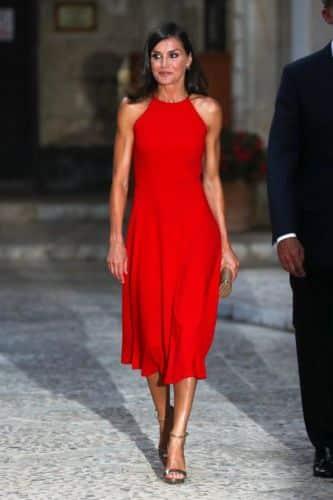 Los vestidos veraniegos que ha llevado la Reina Letizia y que tú te puedes permitir