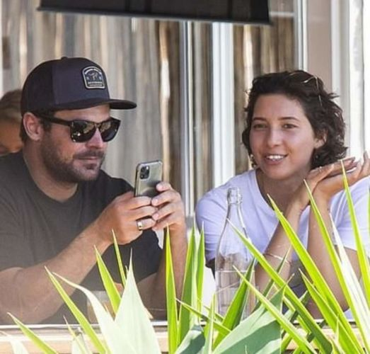 Zac Efron y Vanessa Valladares