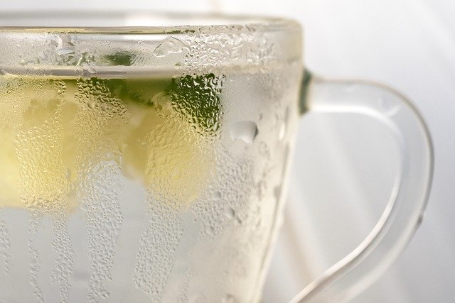 agua limon microondas