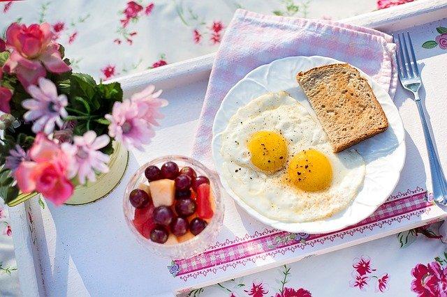 freir huevo microondas