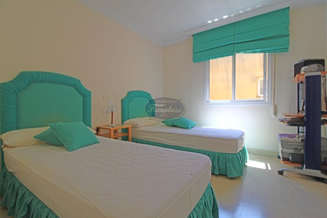 cotilleo-atico-isabel-pantoja habitación turquesa fuengirola venta