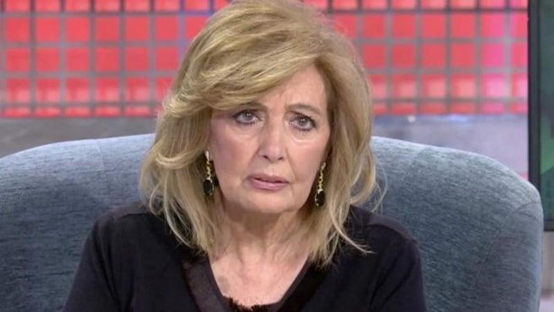 María Teresa Campos vestida de negro en Sábado deluxe