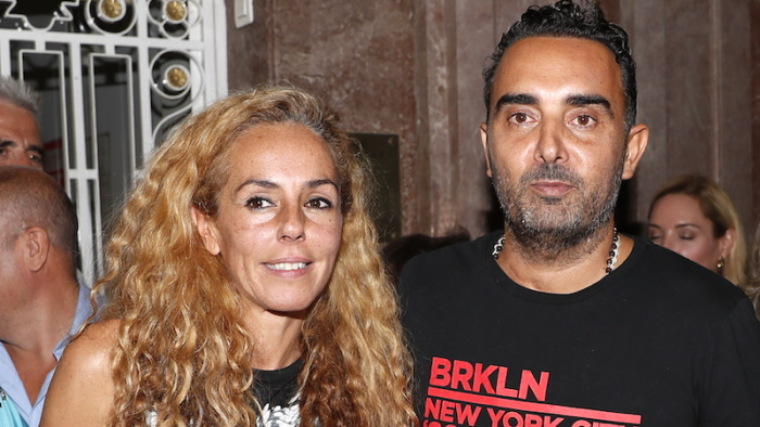 Rocio Carrasco y Fidel Albiac a la salida de un evento