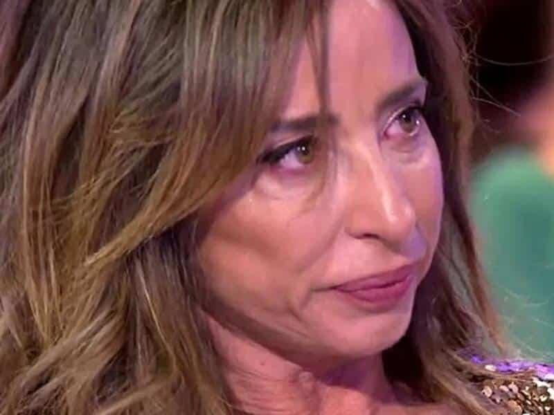 maria patiño llora por cagada en twitter con sus compañeros
