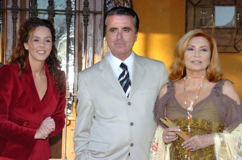 Rocío Carrasco con Ortega Cano y Rocío Jurado