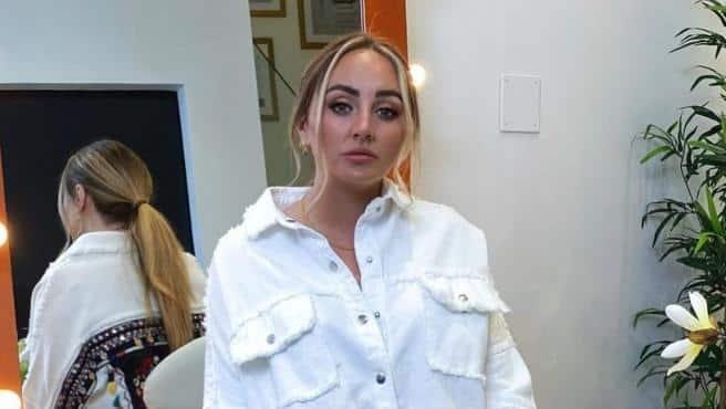 Rocío Flores durante una sesión de fotos