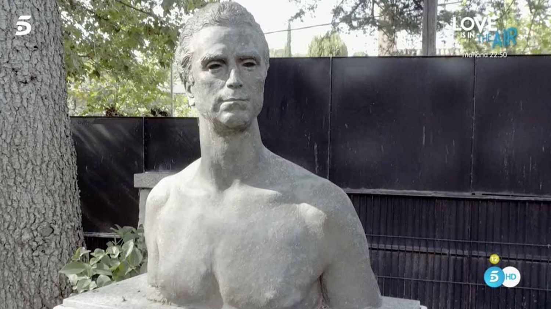 ortega cano estatua