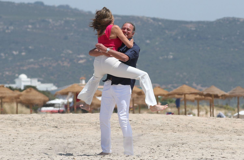Paz Padilla y Bertín Osborne juntos playa