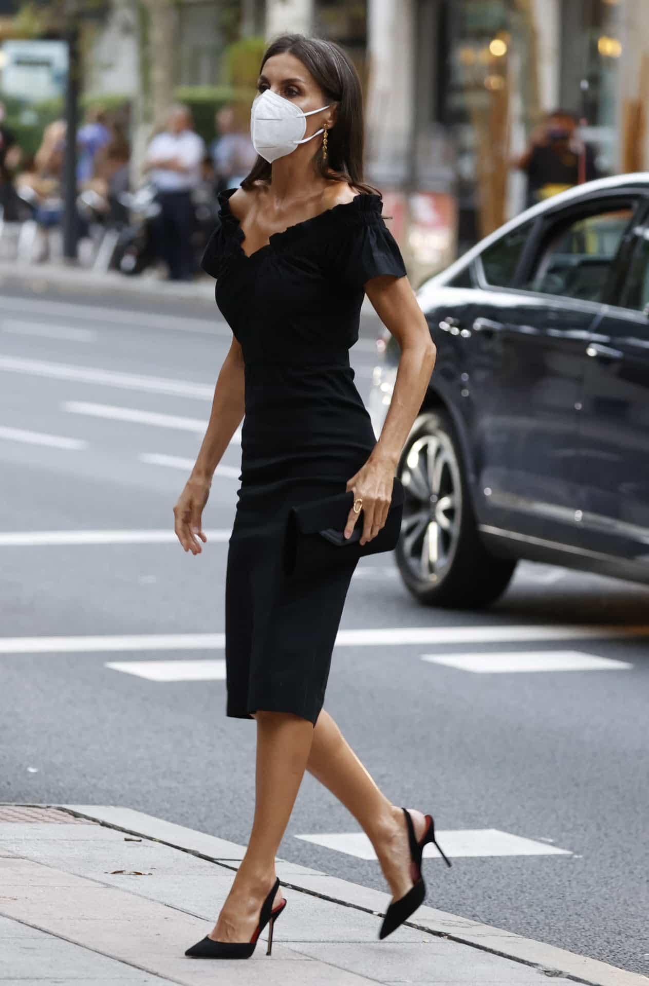 Reina letizia negro vestido bambú  María Malo